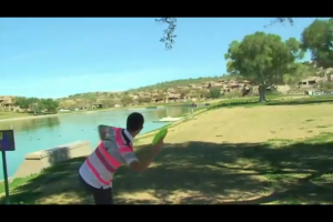 This is a screenshot from my iPhone taken at the grocery store- live discgolf over 3G!